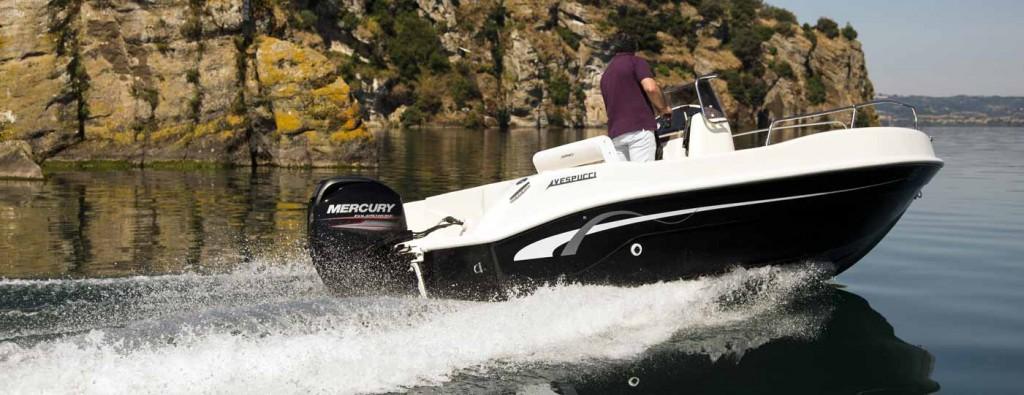 foto lato poppa barca open 5,5 metri Vespucci