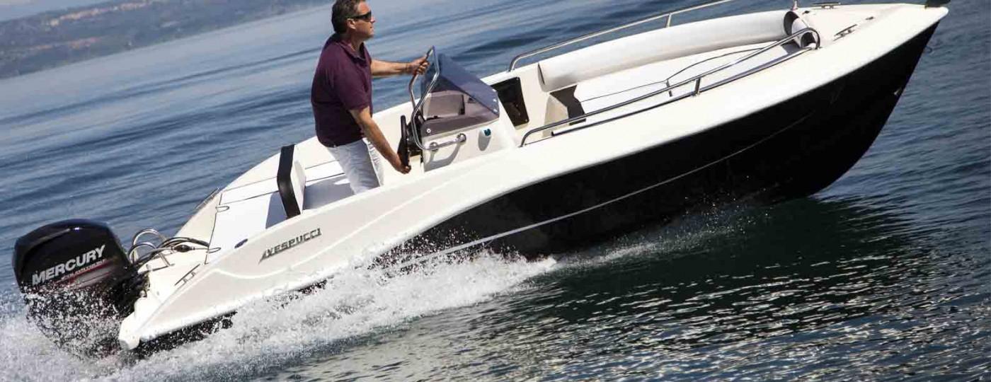 foto prova in acqua barca open 17 vespucci