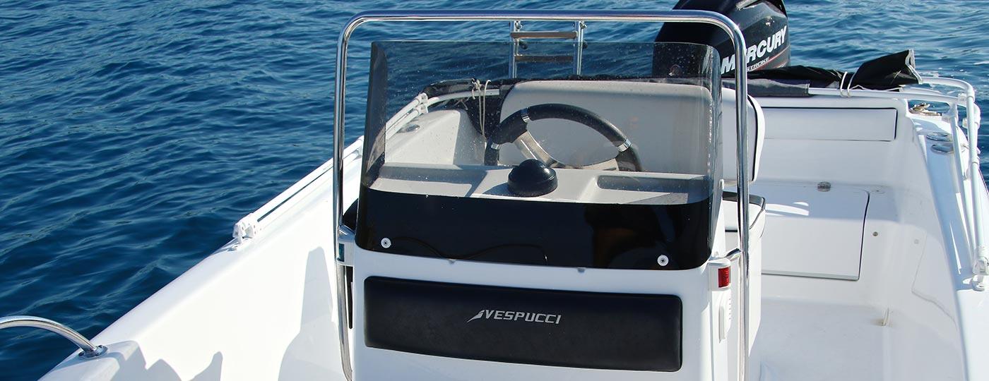 Foto interno barca in vendita open a motore Vespucci